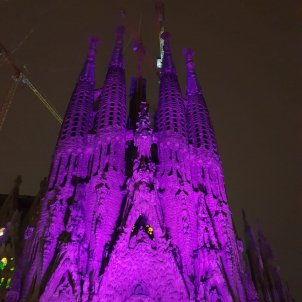 sagrada familia cancer mama @aeccbcn