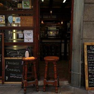 Un bar buit durant la crisi del coronavirus. Foto: Sergi Alcazar