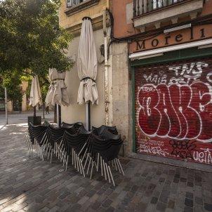 Una terrassa tancada pel coronavirus a Barcelona. Foto: Sergi Alcazar