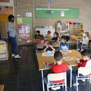Escola professora mascareta ACN