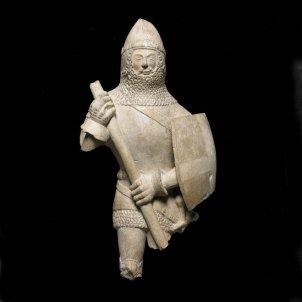 estatuilla de un caballero 1375 1425 inglaterra piedra c the trustees of the british museum 2016 all rights reserved