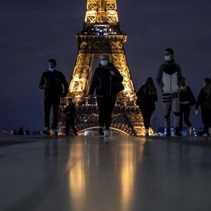 coronavirus Paris França toc de queda EFE