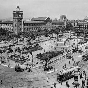 La Generalitat republicana crea la primera Escola Universitària de Llengua Catalana. Universitat de Barcelona (1930). Font IEFC. Col·lecció Roissin