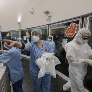UCI Hospital del mar coronavirus sanitari infermera epi mascareta covid-19 - Sergi Alcazar