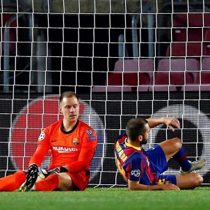 Ter Stegen Alba trist gol Barca Dinamo EFE