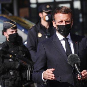 Emmanuel Macron partus - efe