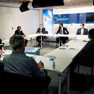 Reunió Casado contraris immersió EFE