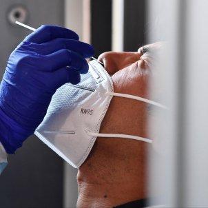 sanitari fa mostra PCR Gènova / EFE