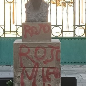 atac feixista 20-N bust companys lleida - Guardia Urbana Lleida Twitter