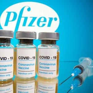 NO UTILITZAR MES vacuna Pfizer ACN/Reuters