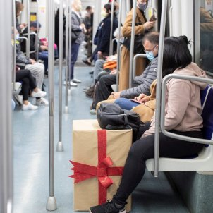 Metro Nadal transport coronavirus Barcelona EFE