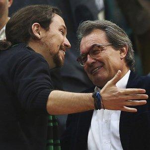 Artur Mas Pablo Iglesias bàsquet Badalona Efe