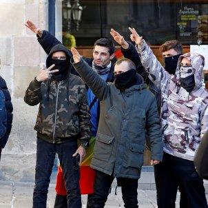 Manifestants ultres 6D plaça Sant Jaume EFE