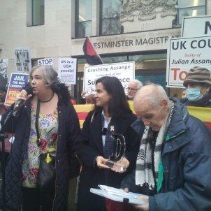 Foto Premi Dignitat Juliane Assange - Comissió de la Dignitat