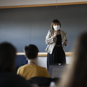 professora coronavirus mascareta EP
