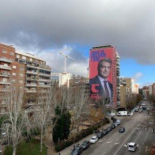 Edifici Madrid Laporta pancarta Eleccions Barca @JoanLaportaFCB