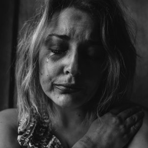 Dona plorant (Kat Jayne, Pexels)