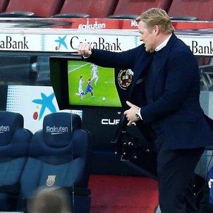 Ronald Koeman Barca arbitro Valencia EFE
