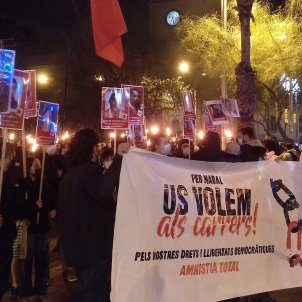 manifestación torchas libertat represión - Twitter@EtVolemACasa