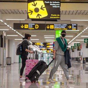 viatgers aeroport coronavirus - efe