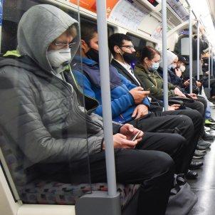 EuropaPress 3366041 pasajeros mascarilla metro londres