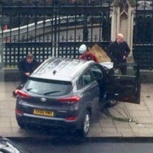 Londres atemptat cotxe tanca 2