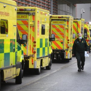 ambulancias coronavirus reino unido - Efe