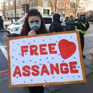 Free Assange recurs EFE