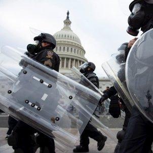 policias asalto Capitolio Efe
