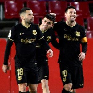 Leo Messi Pedri Barca Granada Jordi Alba EFE
