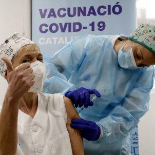 vacunan a personal sanitaria del CAP Balàfia - Pardinyes de Lleida / ACN