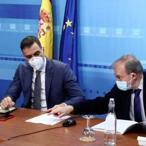 Pedro Sánchez i reunió amb Protecció Civil EFE