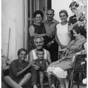 Retrat familiar de la família materna de Vicenç Villatoro:Cedida per Edicions Proa