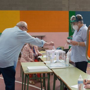 votación mesa electoral Galicia coronavirus EP