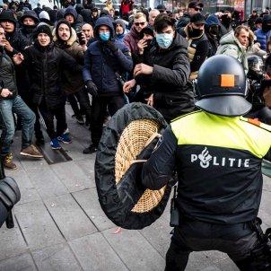 policia eindhoven covid protestas - Efe