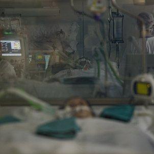 UCI Hospital Clinic Barcelona Coronavirus paciente Covid-19 segunda ola pandemia - Sergi Alcazar