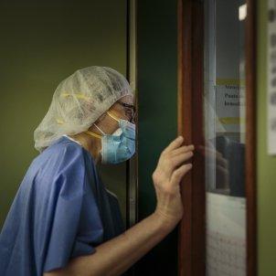 UCI camaras box Hospital Clinic Barcelona Coronavirus enfermera paciente enfermo Covid-19 pandemia - Sergi Alcazar