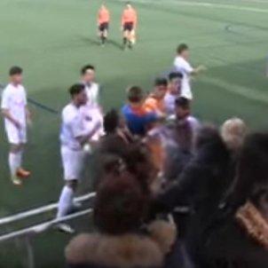 Violència Futbol lluita Captura pantalla