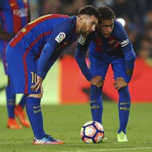 Leo Messi Neymar falta València Barça EFE