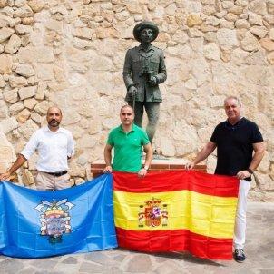 membres vox melilla estatua franco - Europa Press