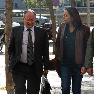 Llinares amb Itziar Gonzalez i David Fernández judici Palau / EFE