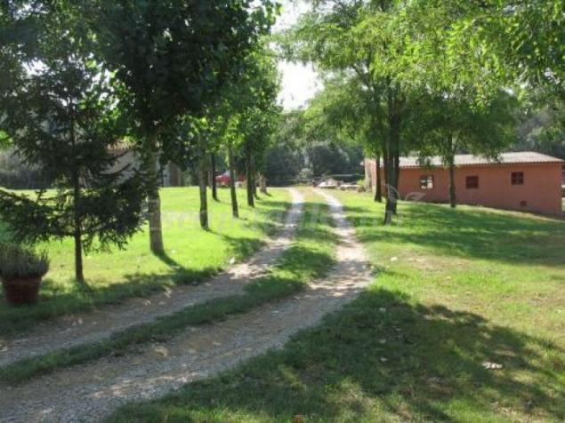Paz padilla lloga la seva masia gironina a la setmana - Casa rural paz padilla girona ...