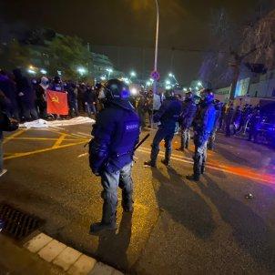 tension acte final campaña vox barcelona elecciones 14-F mossos d'esquadra