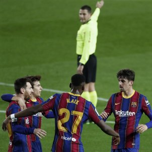 Barça Alavés Messi Trincao EFE