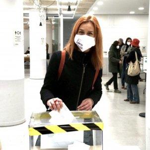Jéssica Albiach votant elecciones 14-F / ACN