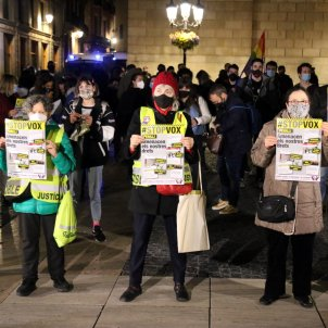 manifestación antifascista Vox elecciones catalunya 14-F plaza Sant Jaume - ACN