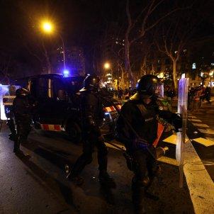 manifestación disturbios Barcelona Pablo Hasél segunda noche - Sergi Alcázar