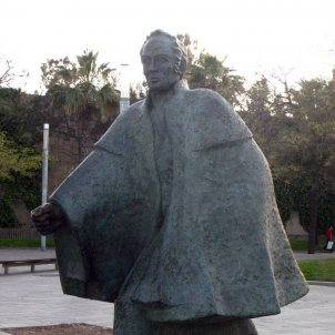 Simón Bolívar estatua JulioMaragall parc Barceloneta autor Enfo