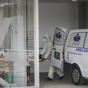 EuropaPress 3543657 personal sanitario traje epi ingreso paciente covid 19 nuevo hospital