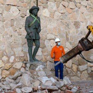 estatua franco melilla efe